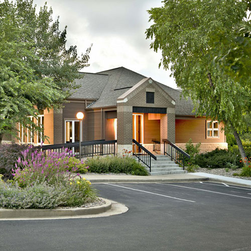 Front building of Mark T. Lavin, DDS Periodontics & Dental Implants